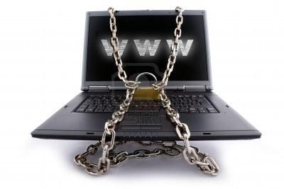 5024975-clavier-pour-ordinateur-portable-securise-avec-chaines-et-cadenas