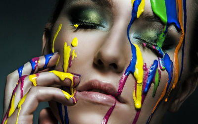 paint-dripping-on-face-14514-400x250