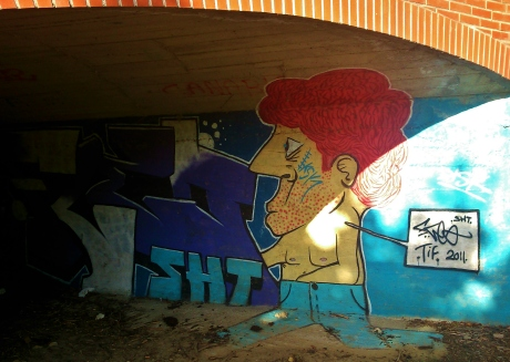 StreetArt-UnderTheBridge-Lafraise