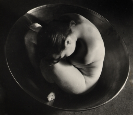 ruth-bernhard-embryo